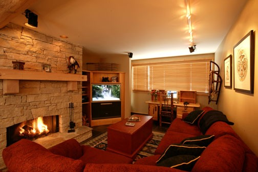 1 Bed Short Term Rental Apartment British Columbia City