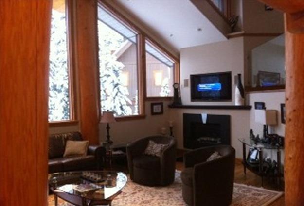 4 Bed Short Term Rental Accommodation British Columbia City