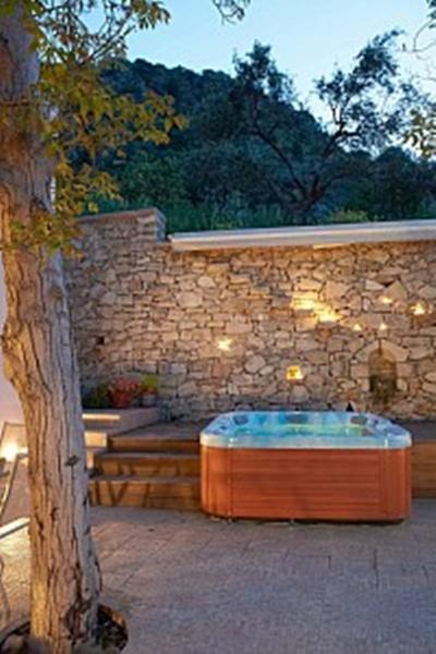 2 Bed Short Term Rental Villa select