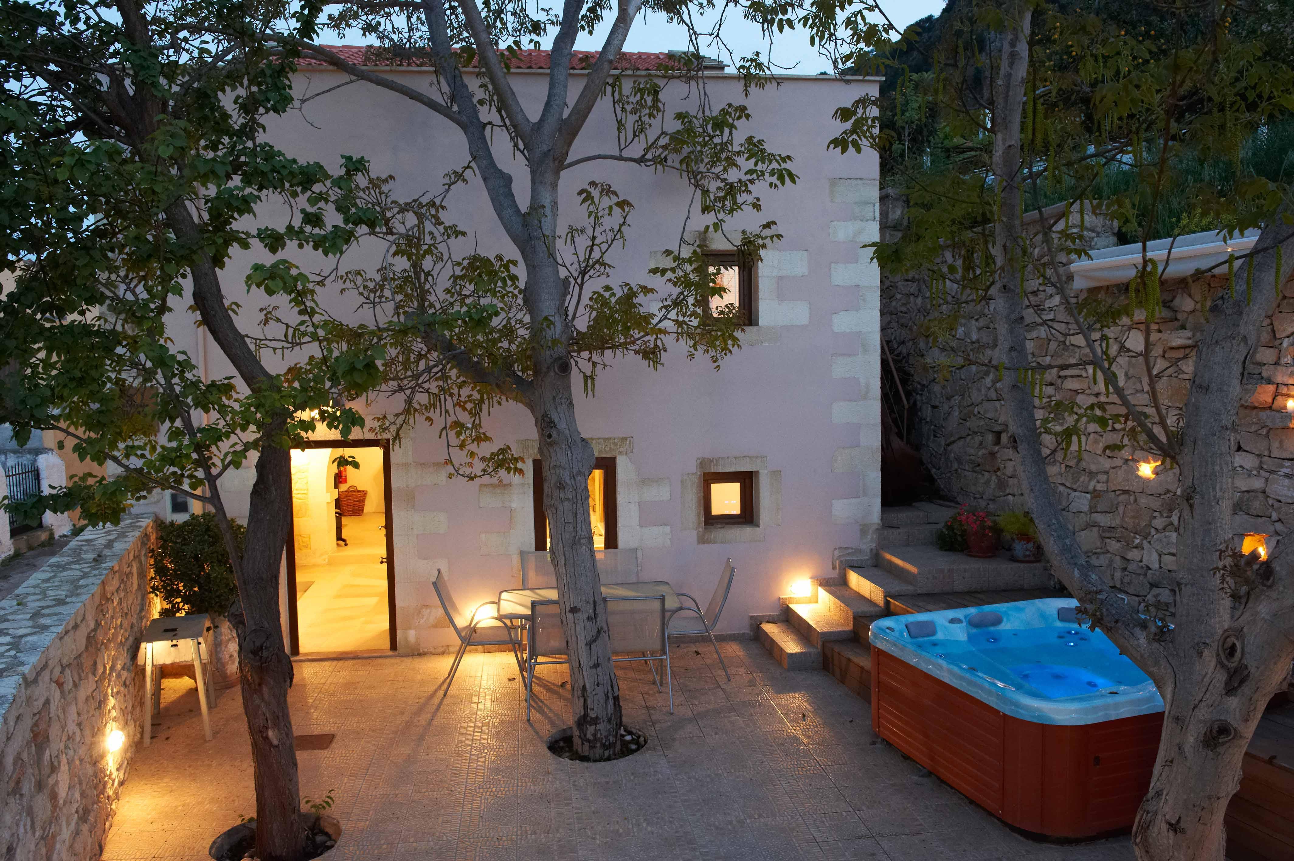 select vacation rental with VILLA ALADANOS