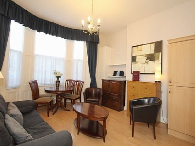 2 Bed Short Term Rental Apartment London