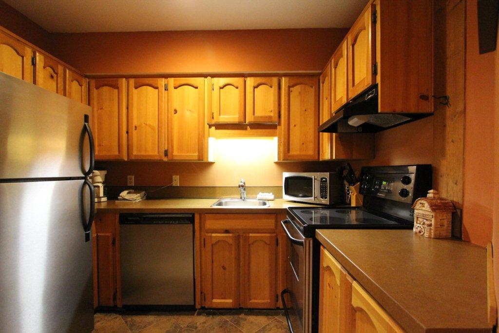 2 Bed Short Term Rental House British Columbia City