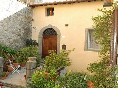 2 Bed Short Term Rental Apartment Cortona
