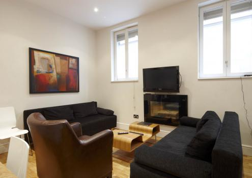 3 Bed Short Term Rental Apartment London