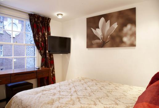 3 Bed Short Term Rental Apartment London