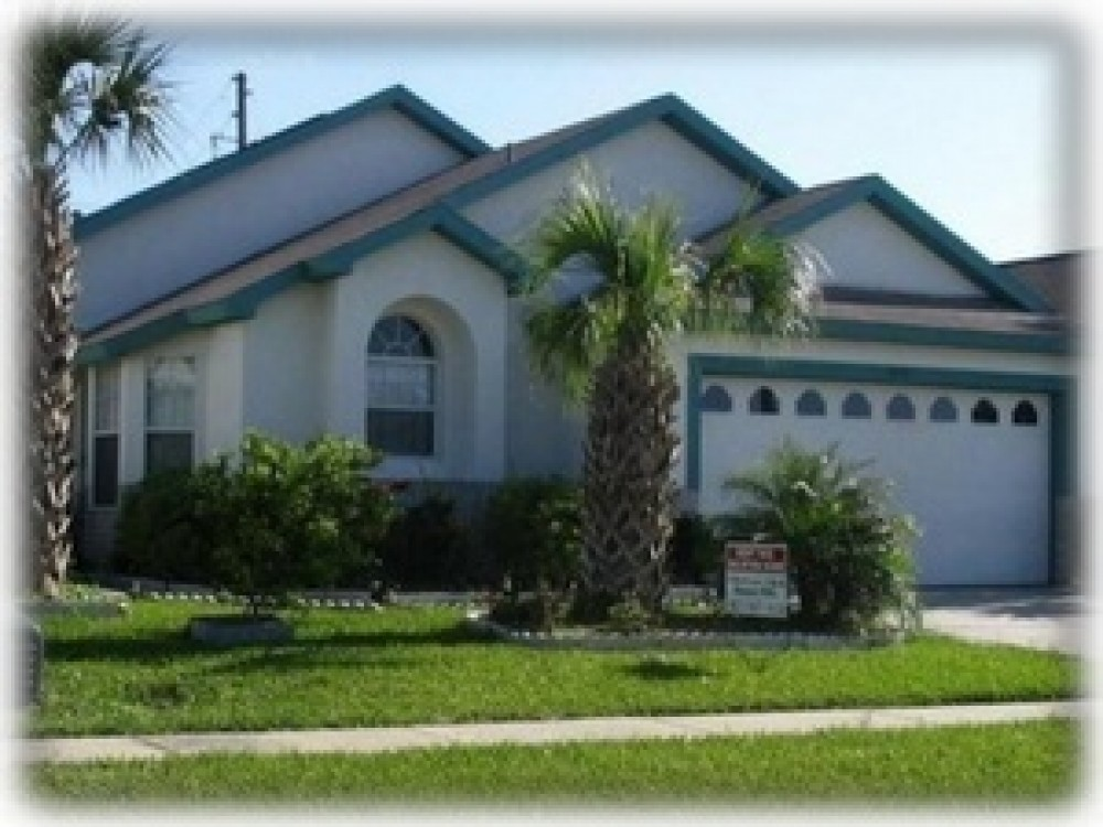 Kissimmee Vacation Rental - Magical Pool Home