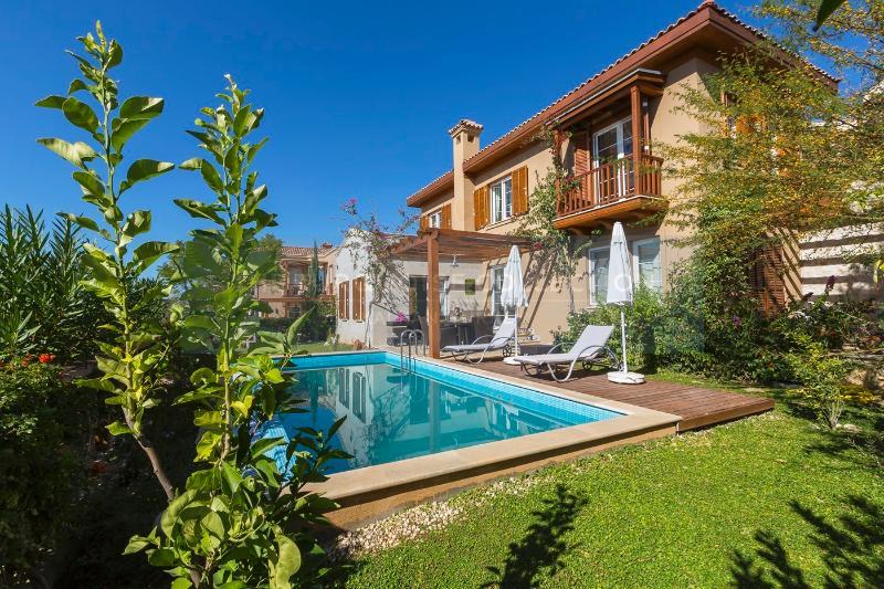 Villa Lagun . Three Bedroom Villa With Private Pool and Sea Views, Sleeps 6