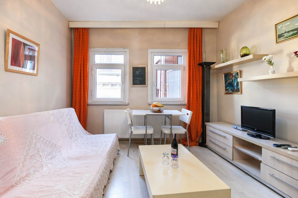 Cihangir One-Bedroom Apartment 3
