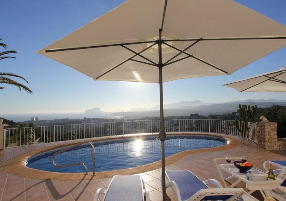 Luxury,Spacious,Private Villa, Sun, near Beach