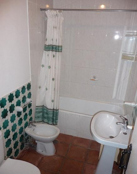 3 Bed Family apt,nr Fuengirola, sleeps 6+cot ,Sat,TV,Washing Machine,PayPal