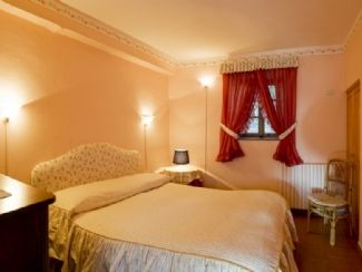 Airbnb Alternative Property in Lucca