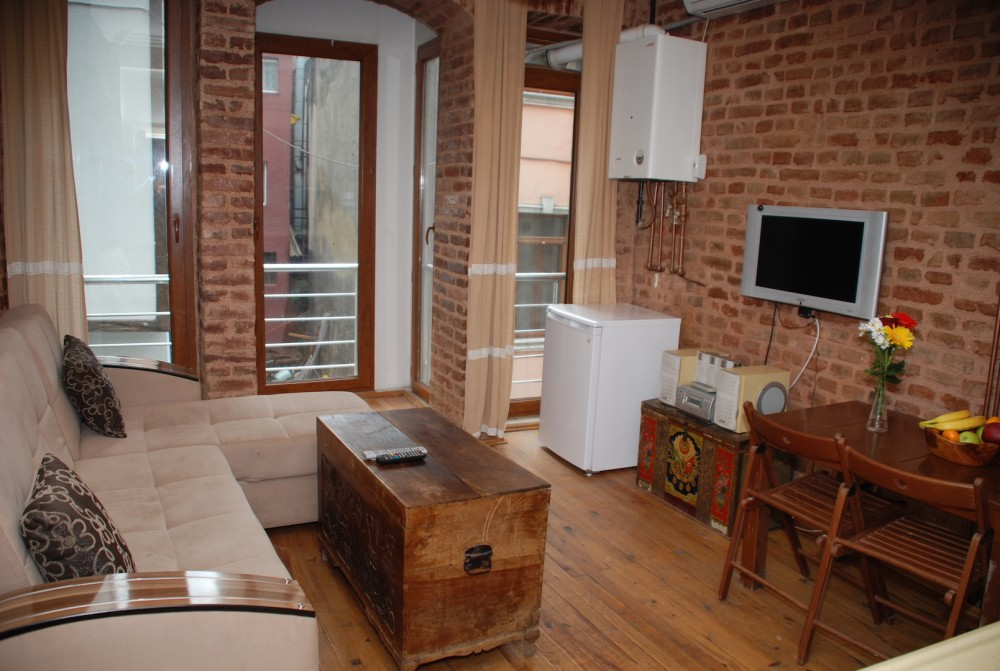 Istanbul vacation rental with living and entertainment area