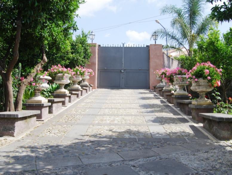 8 Bed Short Term Rental Villa Catania