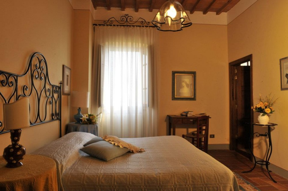 Charming rooms in the pituresque village Montecarlo near Lucca