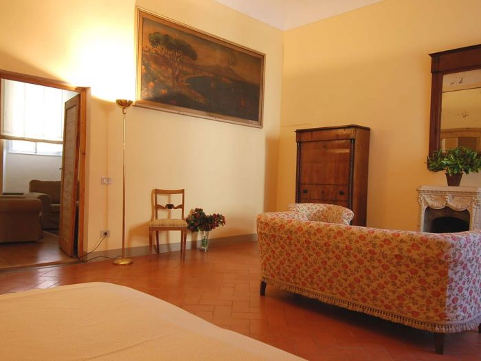 3 Bed Short Term Rental Apartment Florence