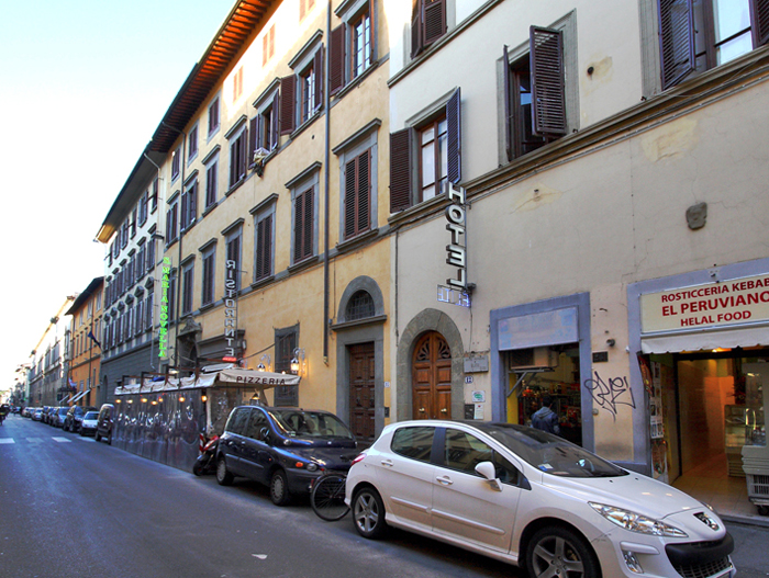 2 Bed Short Term Rental Apartment Florence