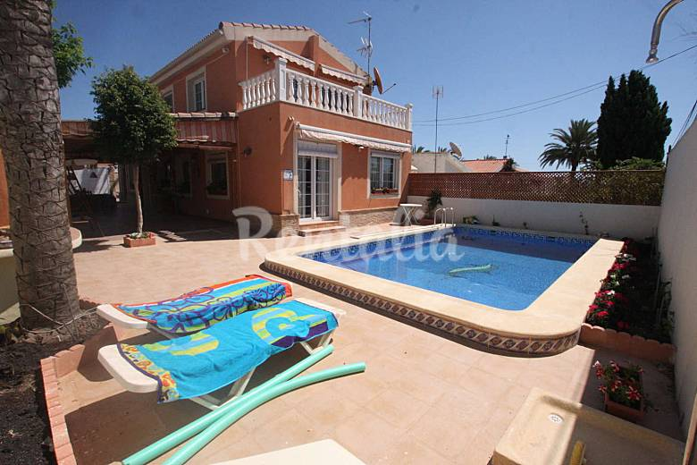 Villa Near Beach, Quite Residential Area - Torrevieja Holiday Rentals