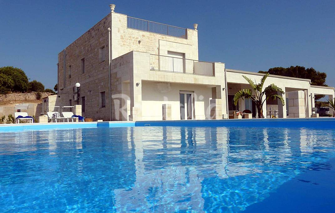 Luxury Sicily Country VIlla with private pool tennis and park