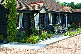 Lovely Cottage Willow - Maidstone Holiday Rentals