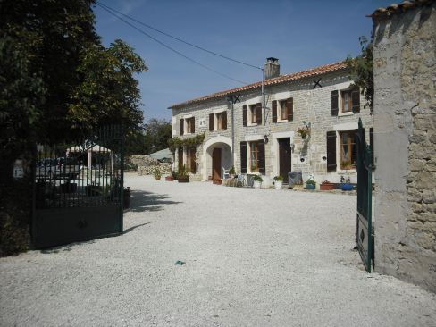 Le Grand Lezard - St Jean D Angely Holiday Rentals