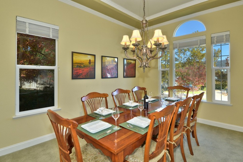 Sunset Peak Abode Located in the Heart of Alexander Valley Near Healdsburg