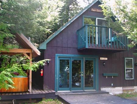 Tamarac Cottage at the Waters Edge