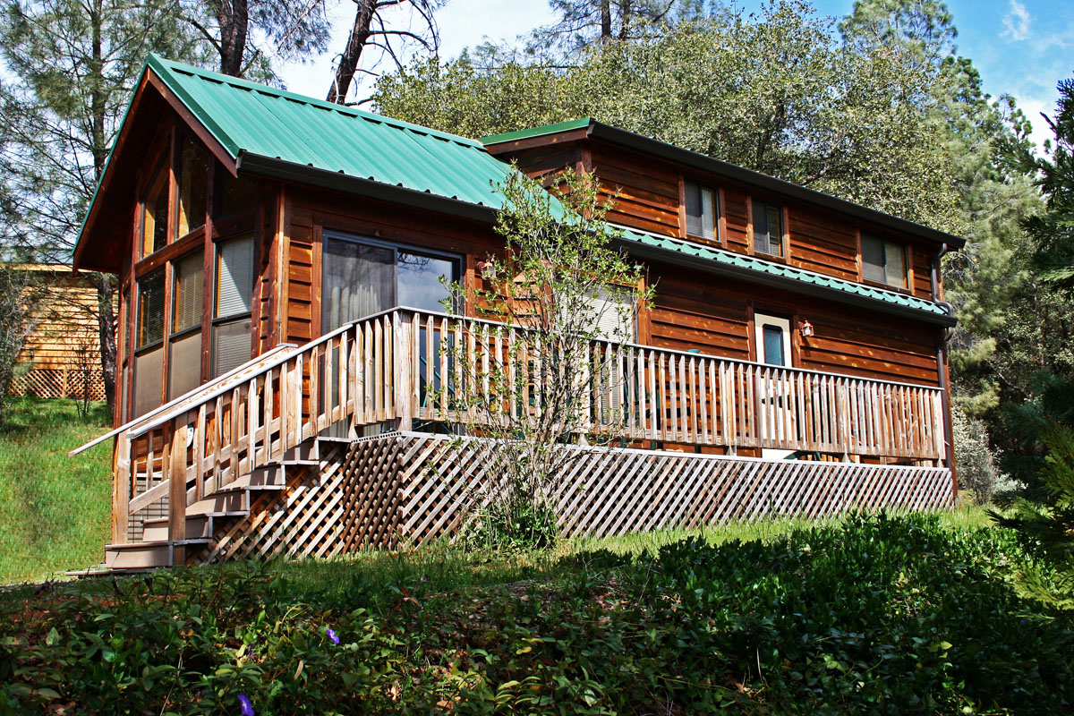 Groveland california vacation rental yosemite pines rv for Groveland ca cabin rentals
