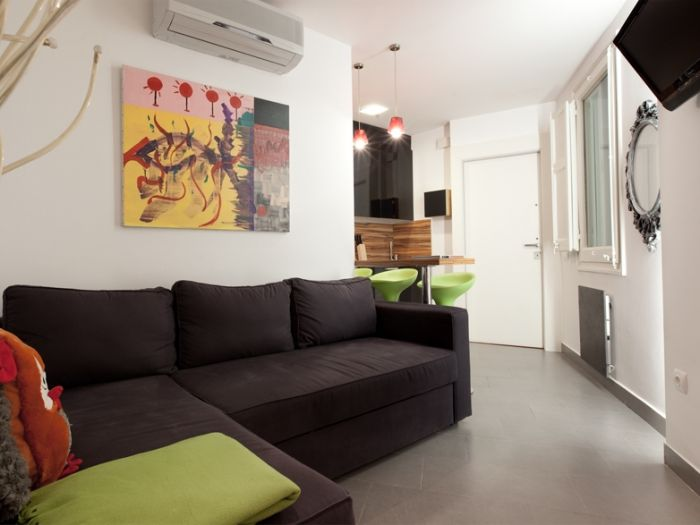 0 Bed Short Term Rental Apartment Barcelona