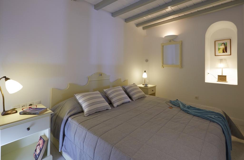 Cori Rigas Suites - Santorini Holiday Rentals