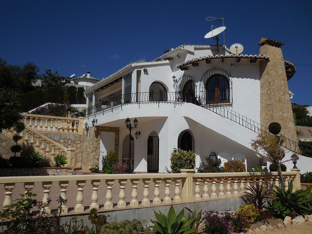 Luxury Villa in MORAIRA, Private Heated Pool, Sea Views, 8 persons, 4 bedrooms