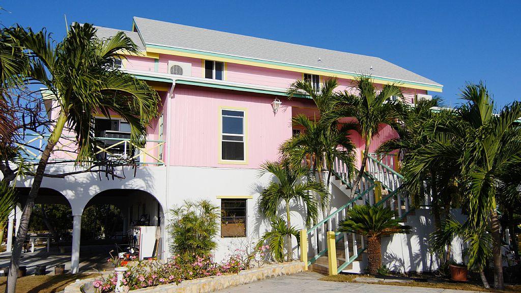 Las Breezes 4 Bedroom Estate Villa - Great Exuma Holiday Rentals