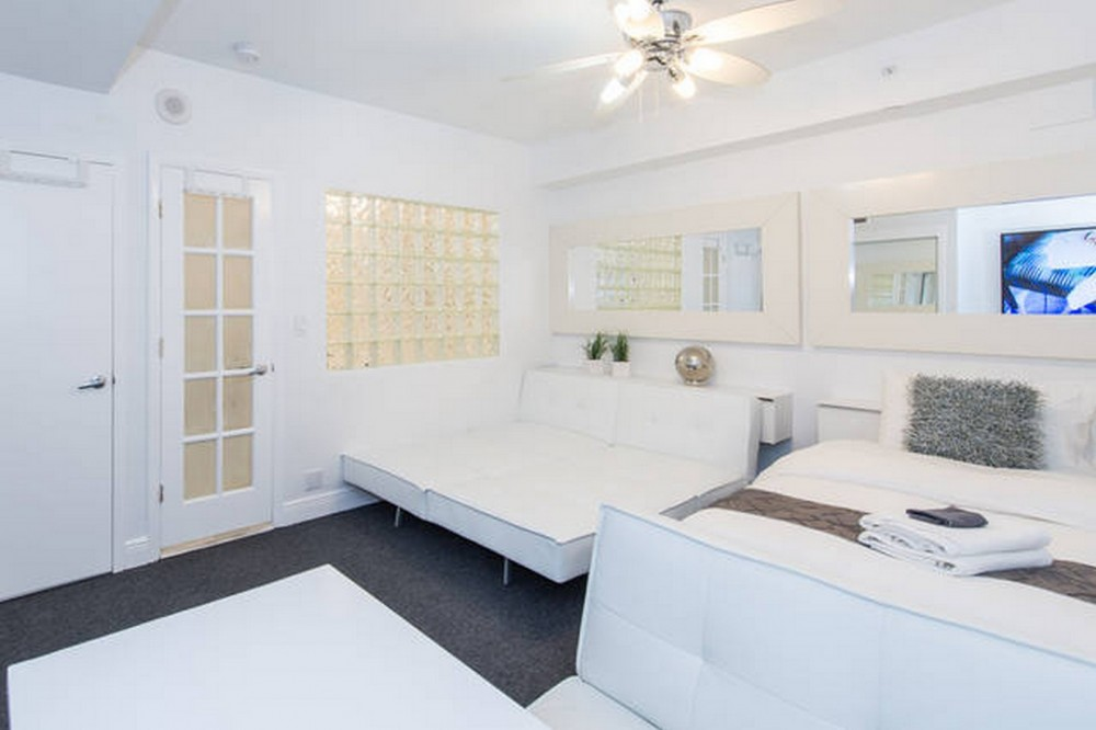 Bedroom 1 with 2 King or 4 Twins Miami Beach vacation home
