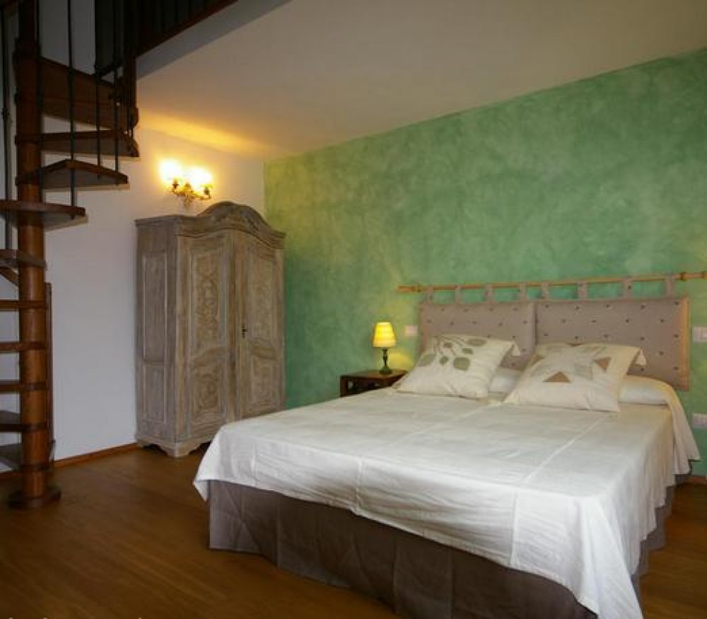 Polcanto vacation rental with
