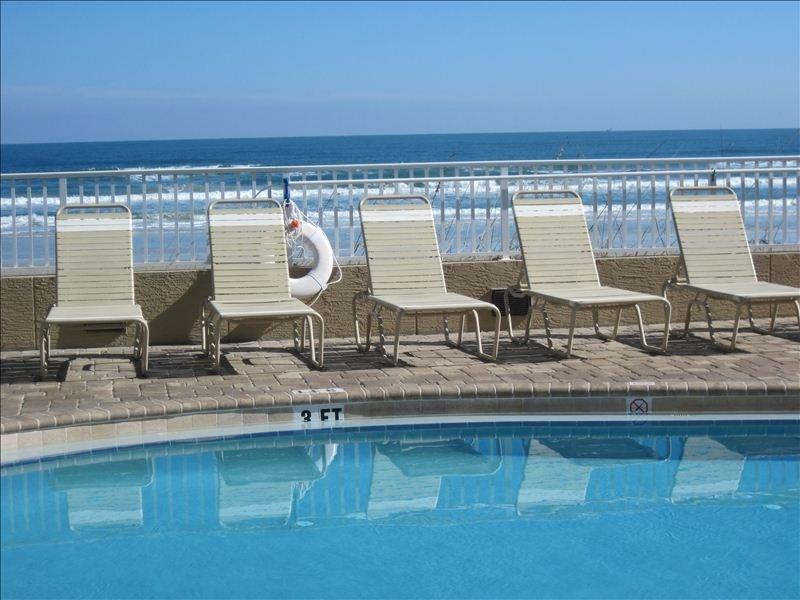 3 Bed Short Term Rental Condo daytona beach shores