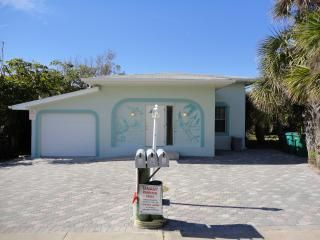 Pelican Villa Across the street from the beach - Cocoa Beach Vacation Rentals