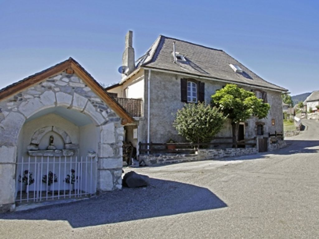 Mountain House With Spectacular Views of the Pyrenean Chain - Buzan Holiday Rentals