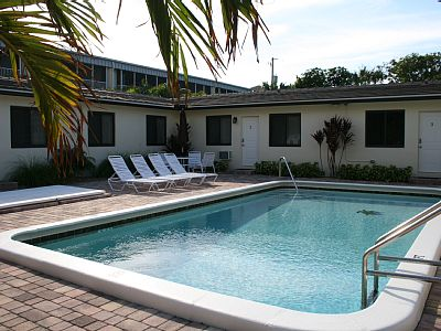 Fully Furnished 1 Bedroom Apartment For 4 Sleeps - Deerfield Beach Vacation Rentals