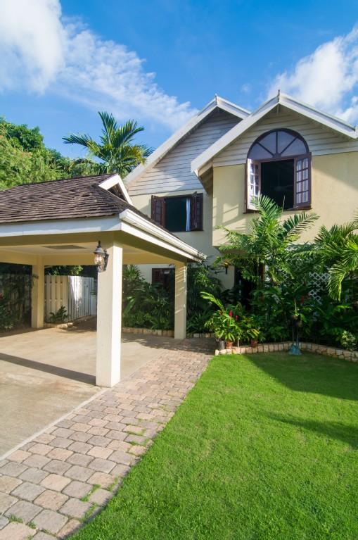 New Waterfront Villa - Montego Bay Vacation Rentals