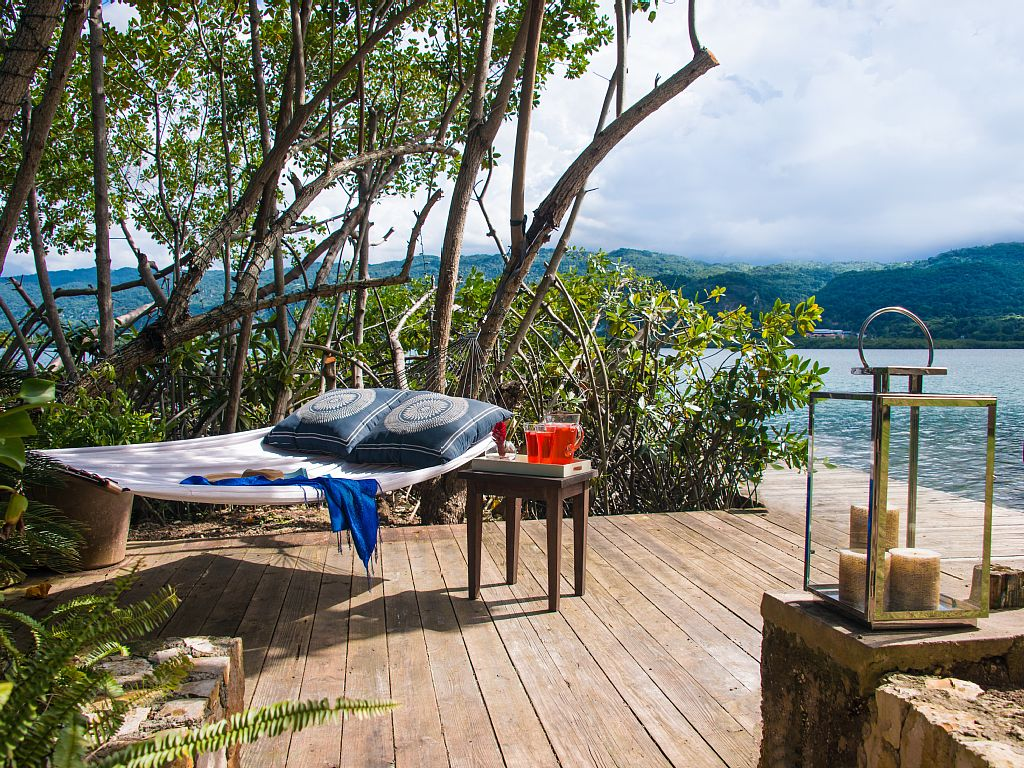 New waterfront villa montego bay vacation rentals for Jamaica vacation homes