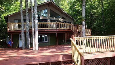Luxury 4 Bedroom Lake House - Catskills, Monticello New York