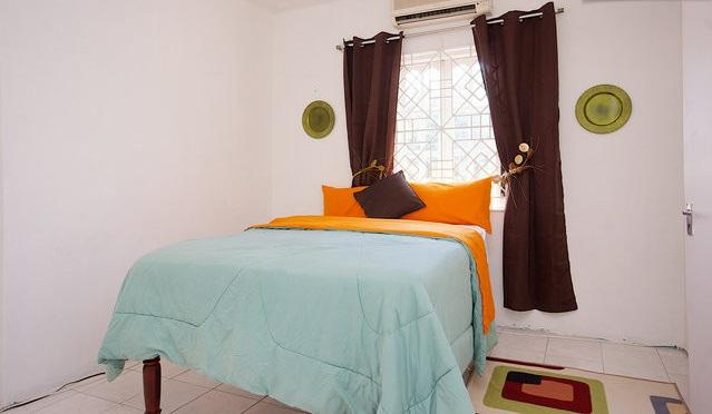 Beautiful Apartment With Internet Access - Kingston Vacation Rentals