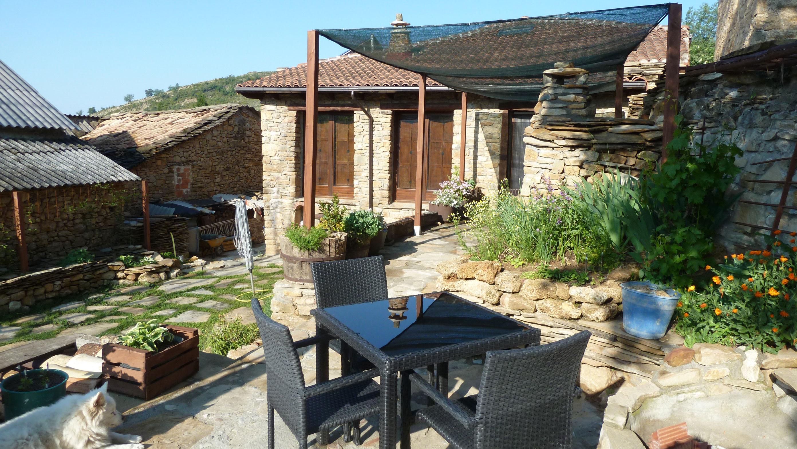 Stunning Spanish Pyrenees: Casa Alamos B&B!