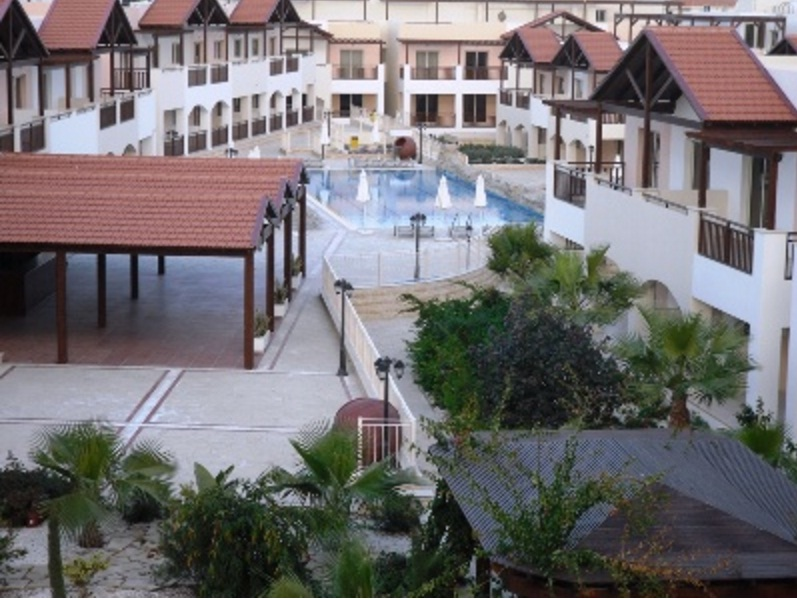 Bright And Sunny Apartment With Pool View - Tersefanou Holiday Rentals