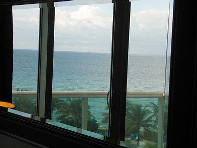 Florida Vacation Rentals, stunning beachfront, ocean view Condo in Hollywood Beach