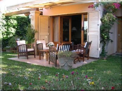 Luxe vakantie villa met 3 slaapkamers, 2 badkamers, privé zwembad en prachtige tuin met veel privacy