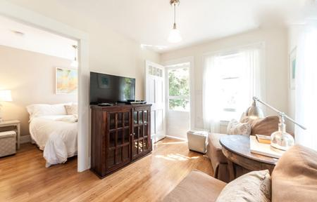Cottage and Private Garden - Santa Monica Vacation Rentals