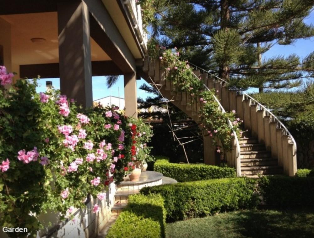 Avola vacation rental with