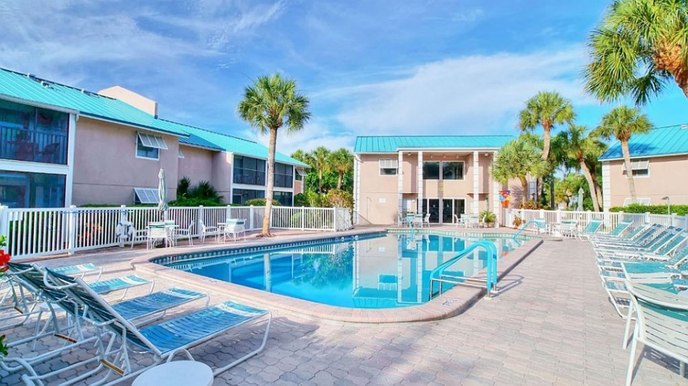 Siesta Key vacation rental with Condo Pool Area