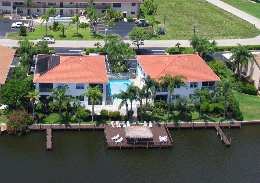 2 Bed Short Term Rental Apartment cape coral