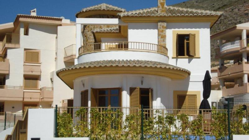 3 Bed Short Term Rental Villa Benidorm
